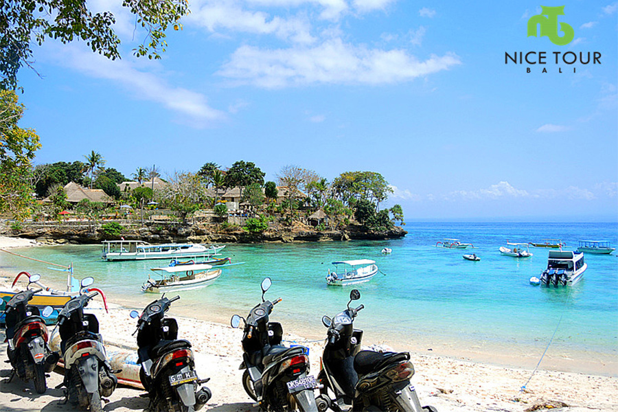 Mushroom Bay at Nusa Lembongan