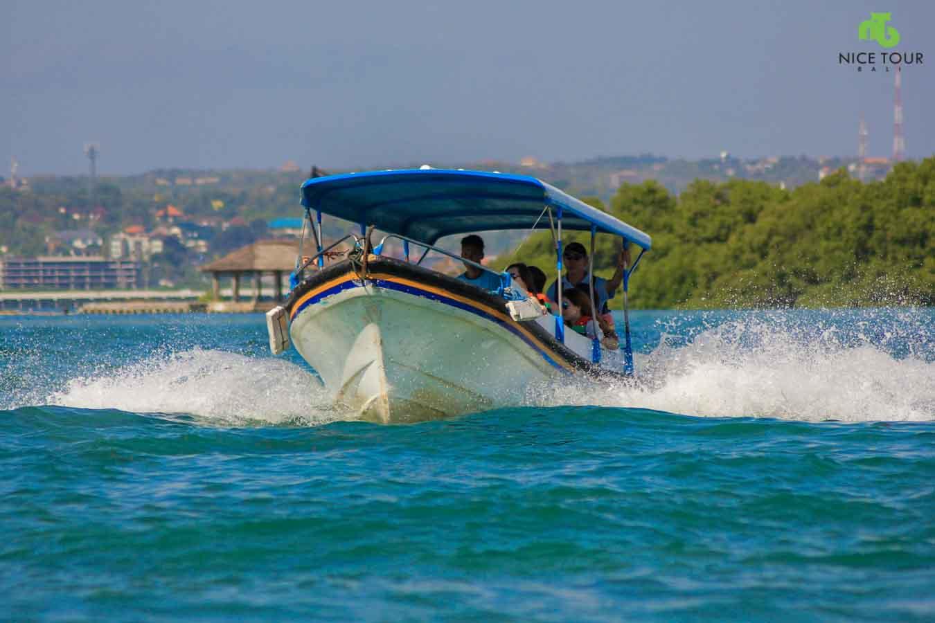 Boat to Turtle Island Bali