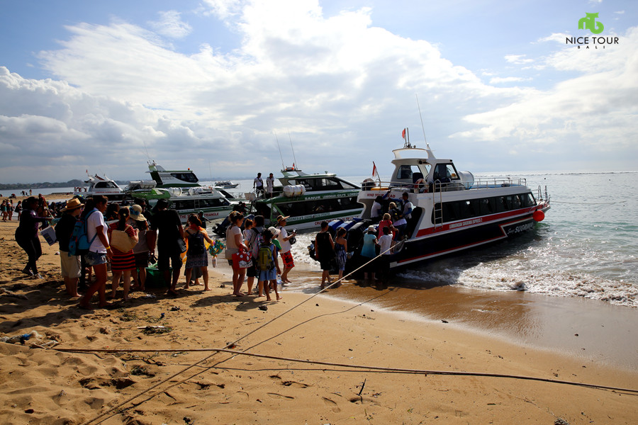 speed-boat-from-sanur-beach-bali-to-lembongan