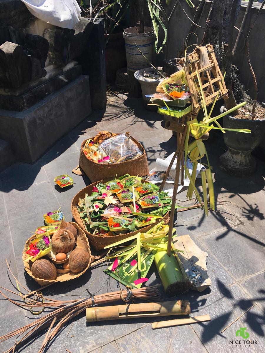 prayers Bali