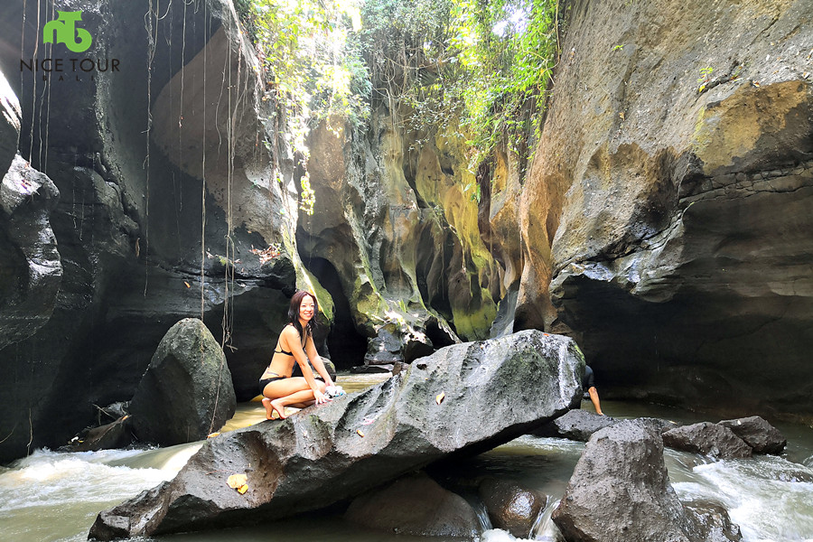 Hidden Canyon Beji Guwang Day Tour  + 2 hours Spa & Massage