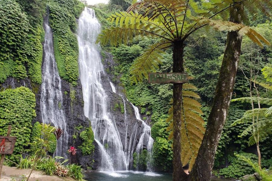 Banyumala Waterfall Tour | Bedegul Temple + Twin Lakes